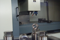 dadi a cappuccio in acciaio legato per turbine e bulloneria speciale