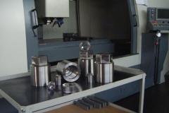 dadi a cappuccio in acciaio legato per turbine e bulloneria speciale_1